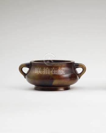 铜蚰龙耳炉