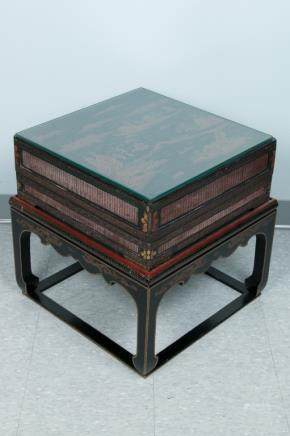 BLACK LACQUERED BOX WITH STAND