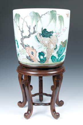 A BIG PORCELAIN  JARDINIERE WITH WOODEN STAND