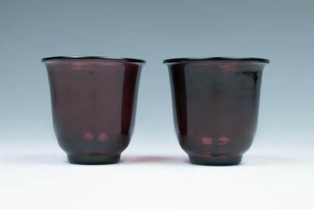 A PURPLISH-RED PEIKING GLASS WINE CUPS