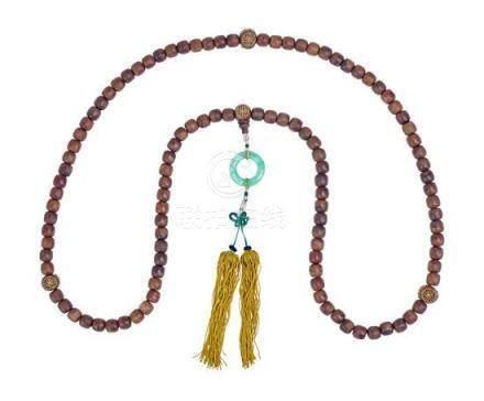 A gilt decorated agarwood bead necklace necklace 75 cm diame