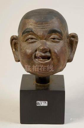 """""""Tête d'homme"""" en terre cuite polychromée. Travail du Japon."""