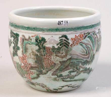 """Petit cache-pot en porcelaine polychrome de Chine dite """"Fami"""
