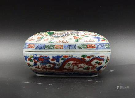 CHINESE DRAGON AND PHOENIX PORCELAIN BOX