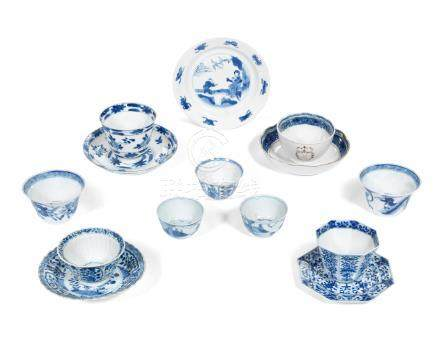 A quantity of blue and white tea bowls and saucers Kangxi to Qianlong (41)