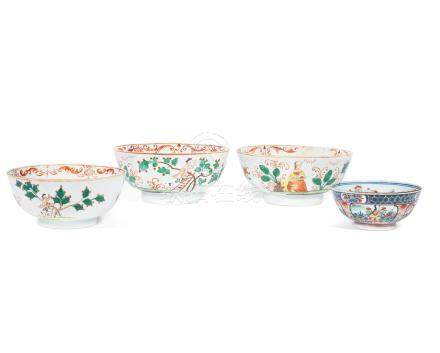 Three Dutch-decorated 'Cherry Pickers' bowls Qianlong (4)
