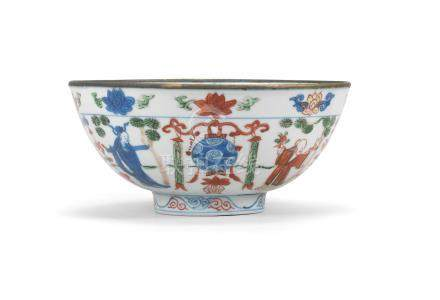 A Wucai 'Immortals' bowl  Wanli six-character mark and of the period (2)