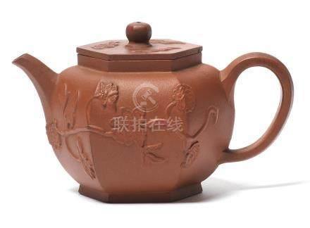 An Yixing hexagonal teapot and cover Kangxi (2)