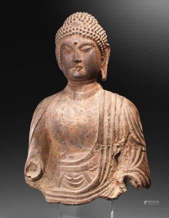 A rare large iron bust of the Buddha Tang Dynasty  (2)
