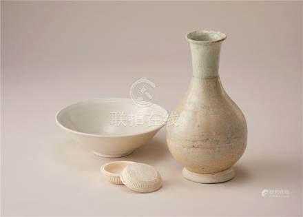 宋代 青白瓷瓶及碗盒