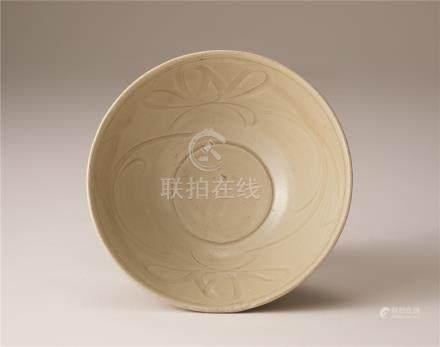 宋代 青瓷刻花纹碗