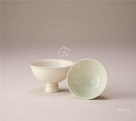 宋代 青白瓷莲花纹杯及白瓷高足杯