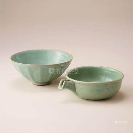 宋元时代 青瓷莲弁纹碗及匜