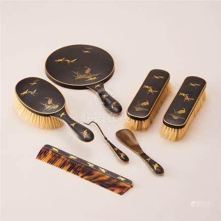 铜鎏金花鸟纹梳妆组