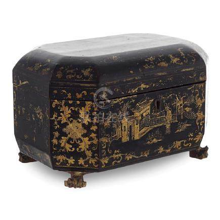Lacquered wooden tea box China, 19th century 16x24x16,5