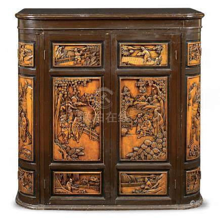 Exotic wood bar cabinet China, 20th century 89x90x46