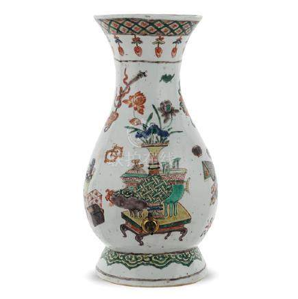 Porcelain vase China, probably Qing dinasty, Kangxi