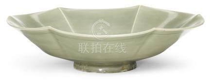 宋   耀州窰青釉葵口盤