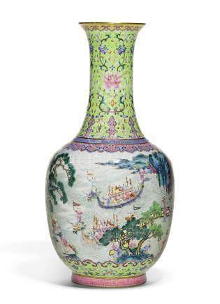清嘉慶   綠地粉彩百子龍舟瓶《大清嘉慶年製》款