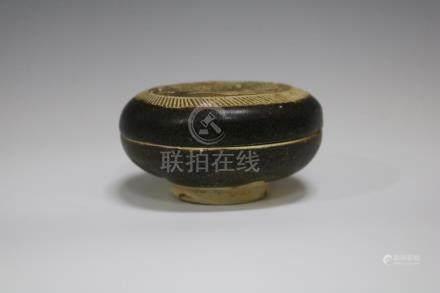A Jizhou Ware Powder Box