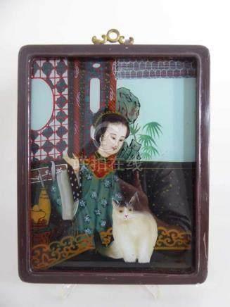 Hinterglasbild, China um 1900, Junge Dame in landestypischer Kleidung mit Katze, i.R. 25cm x 19,5cm