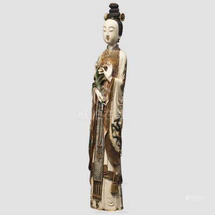 A large Chinese ivory figure of Guanyin, 18th/19th century