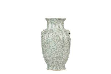 A Chinese Ge Type Porcelain Vase