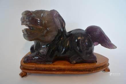 紫色水晶石狮子摆件:Purple crystal stone lion ornaments: Lot size: 17.5x12.5x8cm.