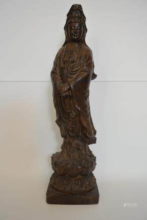 木雕观音站立像摆件:Woodcarving Guanyin standing like a decoration: Lot size: Height: 40cm.