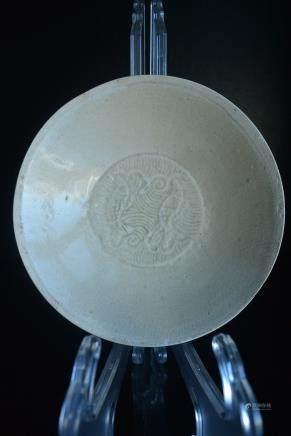 宋代定窑系剔刻海水双鱼纹碗:Ding kiln system Song carved sea fish bowl