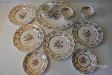 老式 英国22KT描金与粉彩图纹盘碗一套:Old fashioned United Kingdom 22KT gold and Pastel Pattern Plate bowl One set: