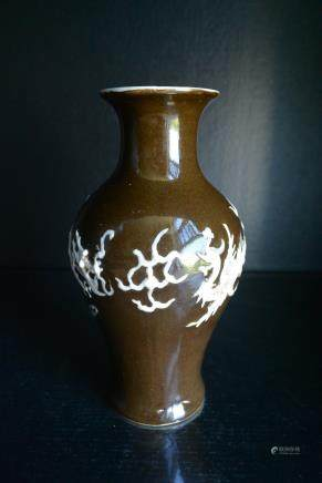清代 紫金釉贴塑龙-凤纹观音瓶:Qing Dynasty Purple Gold Glaze Plastic Dragon - Phoenix Guanyin Vase