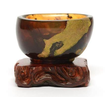 琥珀描金杯(63克) 連小葉紫檀木座