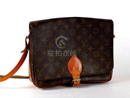 Vuitton sac à main en cuir siglé, 22x27 cm.Vintage.