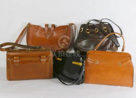 Borgia 1 sac à main besace en cuir marron  22x30 , Borgia 1 sac à main en cuir verni noir,