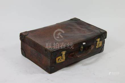 John PARKER Kesington, valise en cuir marron, 40x60x20 cm.