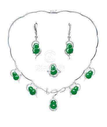 A SUITE OF JADEITE 'GOURD' AND DIAMOND NECKLACE, RING