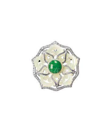 A JADEITE WITH WHITE JADE AND DIAMOND 'FLOWER' BROOCH
