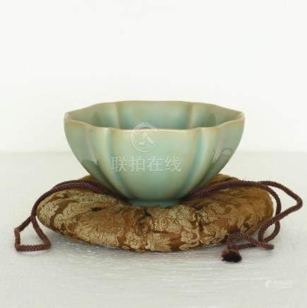 Chinese LongQuan-Kiln Porcelain Bowl Southern Song