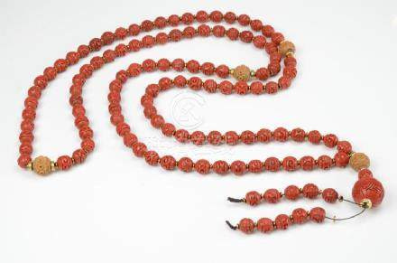 LONG CHINESE RED LACQUER CINNABAR BEADED NECKLACE