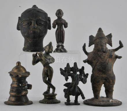 Lot of six figures. 18th century and earlier. To
