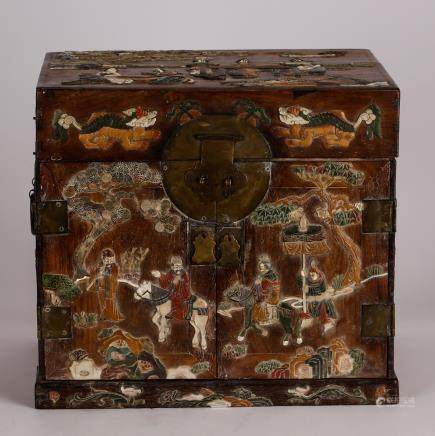 CHINESE HARDWOOD CHEST BOX WITH INLAID