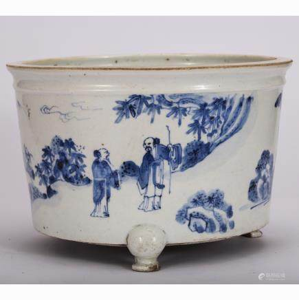 CHINESE B/W PORCELAIN PLANTER POT