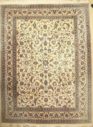 Esfahan fine Carpet, China, approx. 40 years, wool