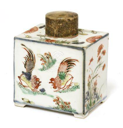 A Chinese wucai tea caddy, Kangxi (1662-1722), of rectangular form on four feet, painted with ...