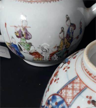 An 18th century Chinese Qianlong porcelain teapot and cover, painted in enamels depicting figures