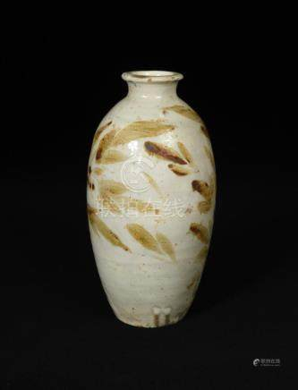 A Jizhou vase, Song dynasty, freely painted with leaves in a light brown colour, 26.5cm high In