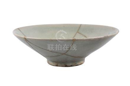 A Chinese celadon bowl, Song/Yuan dynasty, of conical form, with allover bluish/green glaze,