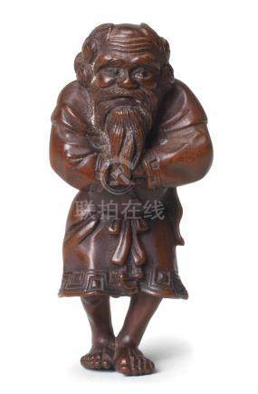 A wood figure netsuke of an Ainu By Ouchi Sosui (1911-1972), Showa era (1926-1989), 20th century (2)