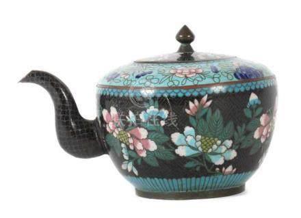 TeekännchenChina, wohl Ende 19. Jh., Cloisonné/Kupfer, Kupferstegdekor, Darstellung